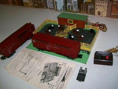 Vintage American Flyer S Gauge No.771 Stock Yard With No.976 & No.929 Stock Cars