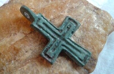 LARGE MEDIEVAL 10-13th CENTURY VIKING-STYLE BRONZE HAND-CARVED CROSS PENDANT