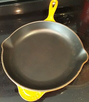 Le creuset Flame/Orange #26 Fry Pan/skillet