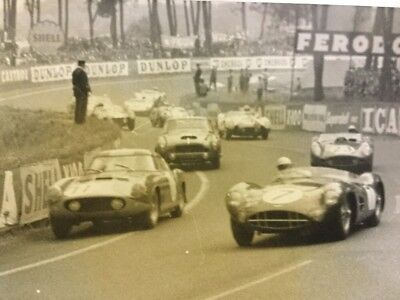 Rare Photo De Presse Originale Ferrari Jaguar Course Auto 24HR DU MANS 1967 !!