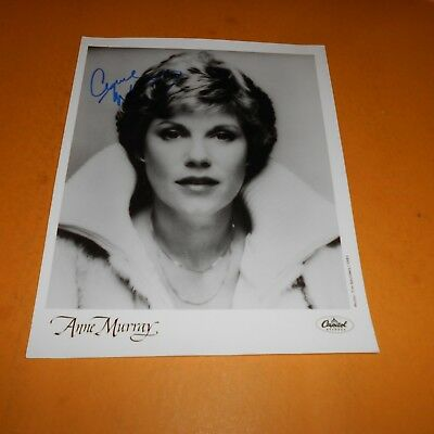 Anne Murray, is a Canadian singer in pop, country Hand Signed 8 x 10 Photo
