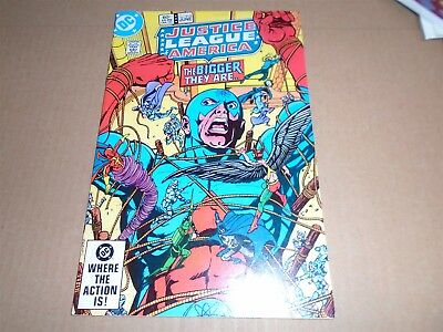 JUSTICE LEAGUE OF AMERICA #215 DC Comics 1983 VF
