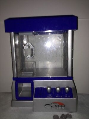 """The Claw"" Mini Candy, Toy Grabber Machine Arcade Game BLUE Lights On Side,Coins"