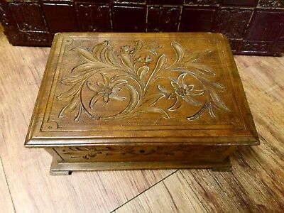 Vintage CARVED WOOD Wooden BOX Black Forest  Switzerland EDELWEISS Flower hinged