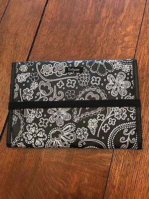 Thirty One Fold And Go Trifold Organizer With Notepad Black & White Floral