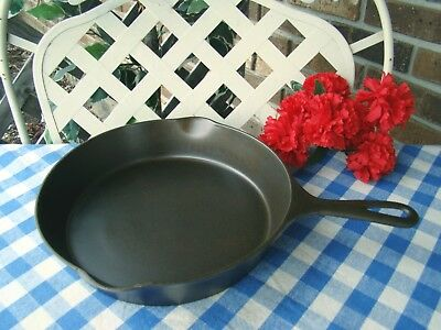Wagner Ware Sidney -O- Cast Iron Skillet - #8 – #1058 with Heat Ring