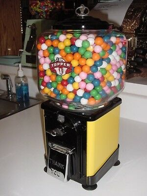 VICTOR Topper 1950's Gumball Machine  /  Perfect Condition