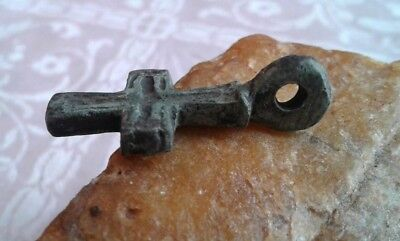 MEDIEVAL 10-13th CENTURY VIKING-AGE BRONZE HAND-CARVED CROSS PENDANT