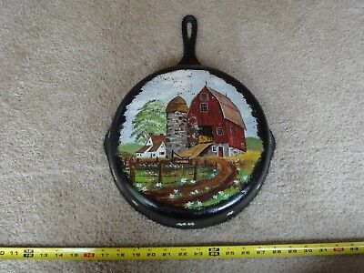 "Vintage, hand painted cast iron skillet. Large 10"" decorative antique fry pan."