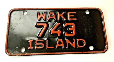 WAKE iSLAND MOTORCYCLE LICENSE PLATE*Rare* Mint Condition