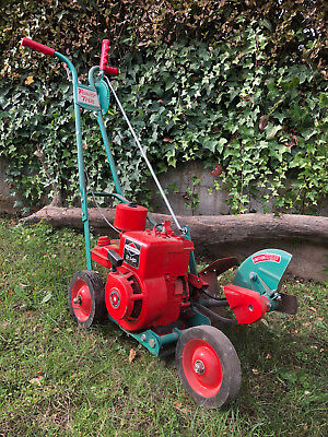 Power Trim garden edger. 2 stroke Briggs and Stratton engine. Vintage.