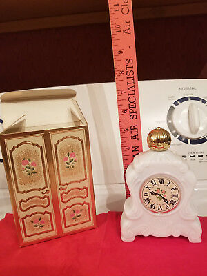 VINTAGE 1960s AVON MILK GLASS MANTEL CLOCK PERFUME COLOGNE COLLECTABLE Full