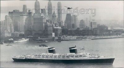 1952 Press Photo SS United States Passenger Ship 1950s Manhattan Skyline NYC