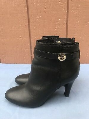 2d94e0cba87b EUC Tory Burch US 8.5M Bristol Black Leather Belted Logo Ankle Boots Booties  A8