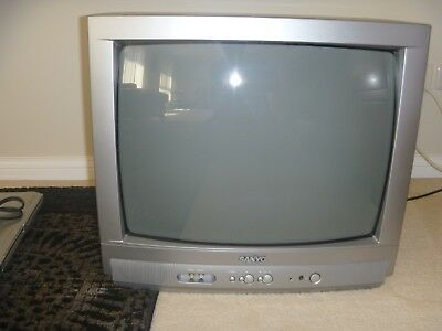 Vintage Sanyo Colour Television CP20SR1A 20 inch with Braun HD Set Top Box