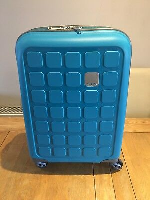 Tripp Suitcase Cabin Case Hard Shell Four Wheels TurquoiseHoliday/Weekend/Travel