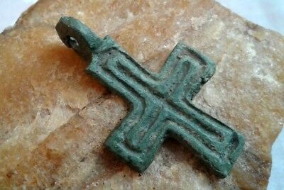 MEDIEVAL 10-13th CENTURY VIKING-AGE LARGE BRONZE HAND-CARVED CROSS PENDANT