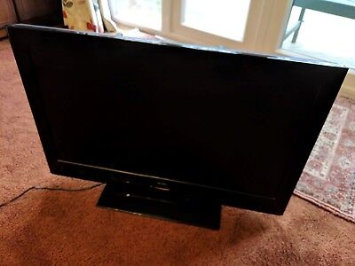 """BUSH LCD32911FHD3D 32"""" LCD TV 3D FULL HD With Freeview"""