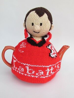 Wimbledon Tennis Player Tea Cosy Knitting Pattern to knit your own