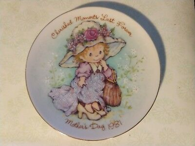 Avon Miniature Mother`s Day Plate Cherished Moments Last Forever 1981