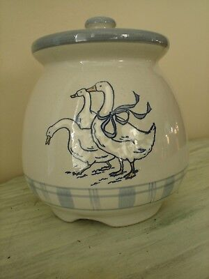 Louisville Stoneware Pottery Gaggle of Geese Canister Cookie Jar New Old Stock