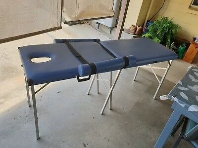 Aluminium Portable Massage / Therapy Table with adjustable side cushions. Blue