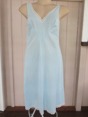 Lovely blue lacey vintage petticoat size 12 - 14 (US 8 - 10)