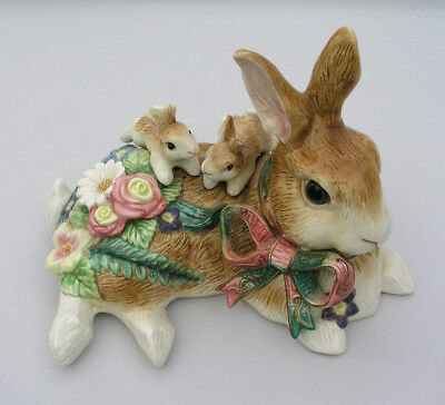 FITZ & FLOYD - WOODLAND SPRING - MEDIUM RABBIT w/ BUNNIES FIGURINE - EXCELLENT