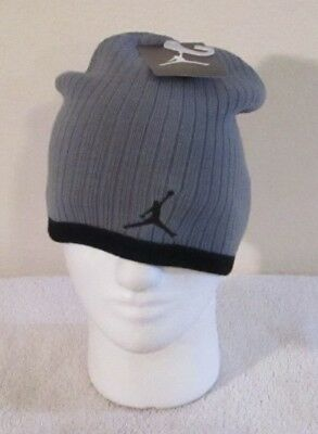 3e2330399 UNDER ARMOUR BOYS Youth Winter Beanie Hat 2-STYLES (ONE SIZE) NWT ...