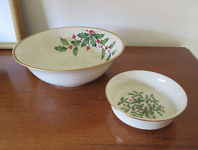 Lenox Holiday Holly Berries Fruit & Serving Bowl Gold Trim Made in USA