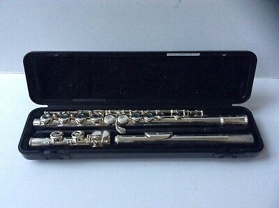 Yamaha 211 Flute in Case with Carry Bag