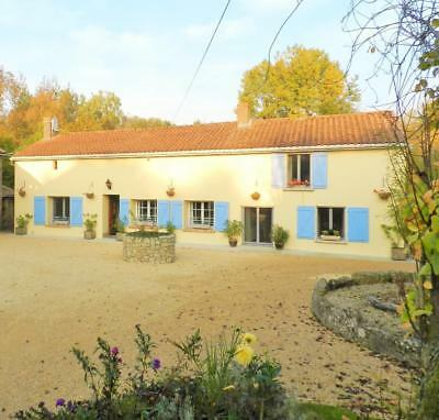 France:poitou Charente:4-Beds (Slps 8/9):farmhouse+Pool+River Access: £1000:july