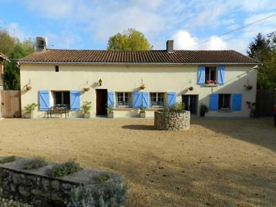 France:vienne:4-Beds-Sleeps 8/9:farmhouse+Pool+ River Access: £1150: 3-10 August