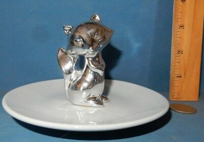 SILVER METAL  FOX  ON CERAMIC PLATE   JEWELRY PIN DISH   animal  EUC
