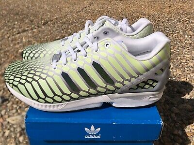 sports shoes b1ae4 9bbbd NEW Adidas ZX Flux XENO Snake Men s Shoes White Green 3M Reflective Glow  AQ4535