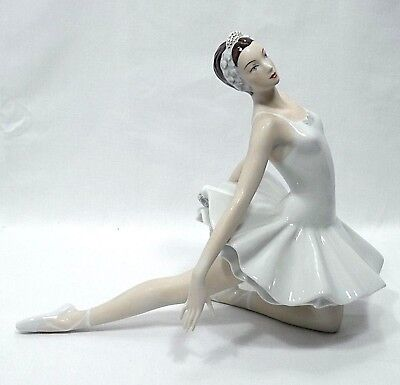 Vtg Royal Dux Porcelain Bohemia Ballerina by Vladimir David ~ Hand Made in Czech