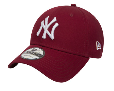New Era - League Essential 9Forty New York Yankees. Maroon