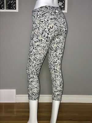 2b9f5e5df LULULEMON WUNDER UNDER Gray Fleur Flower Silver Spoon Print Crop ...