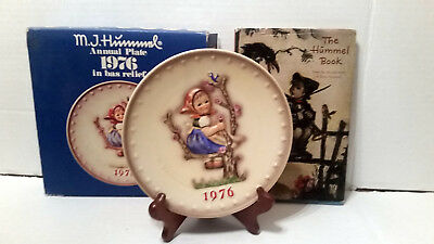 1976 Goebel Hummel Annual Plate WITH 1962 The Hummel Book West Germany