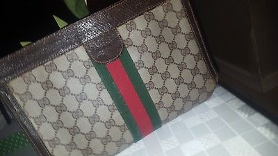 POCHETTE GUCCI AUTHENTIQUE - EUR 110,00   PicClick FR aa368852066