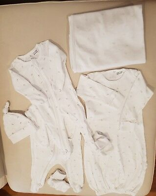 Purebaby Newborn Bundle. As New. Sizes 0000 and 000. 7 pieces RRP $130+