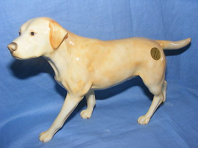 John Beswick Connoisseur Collection Dog Labrador Yellow JBCOD2 Brand New