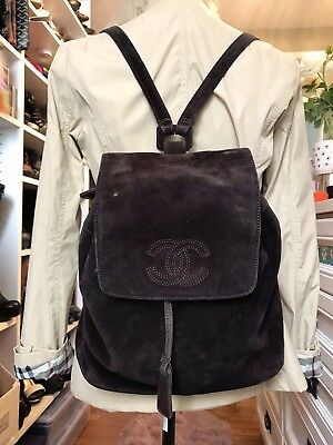 850fc2c0cb61e4 VINTAGE AUTHENTIC CHANEL Chocolate Suede Drawstring Backpack ...