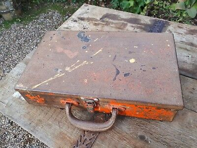 Nice old metal toolbox case box with strong handle 35cm x 20cm x 8cm