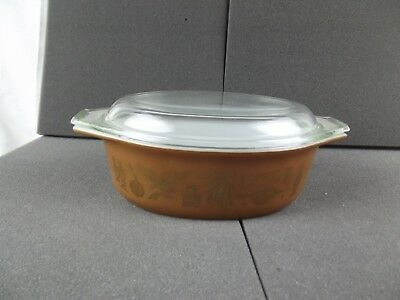 Vintage Pyrex EARLY AMERICAN Oval Casserole 1 1/2 Qt. with lid brown & gold #043