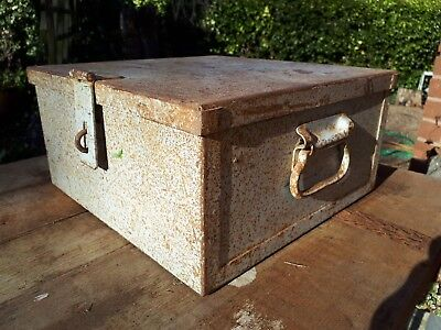 Nice strong old metal toolbox with strong handles  32cm x 32cm x 16cm