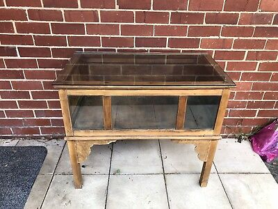 ANTIQUE VINTAGE WOODEN COLLECTABLE DISPLAY STORAGE CABINET CUPBOARD Melbourne