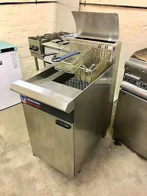 Blue seal GT45 Gas Fryer Twin Basket