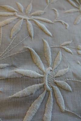 Lovely lge antique Irish linen bedspread - hand embroidery flowers & drawnthread