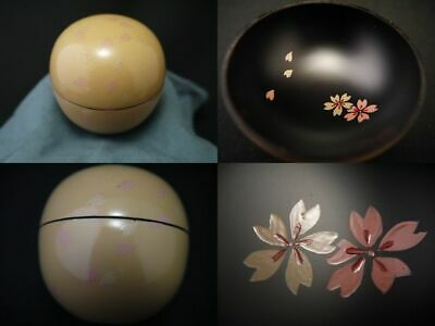 Japanese Lacquer Wooden Tea caddy Petals dance around makie Maru-Natsume (204)